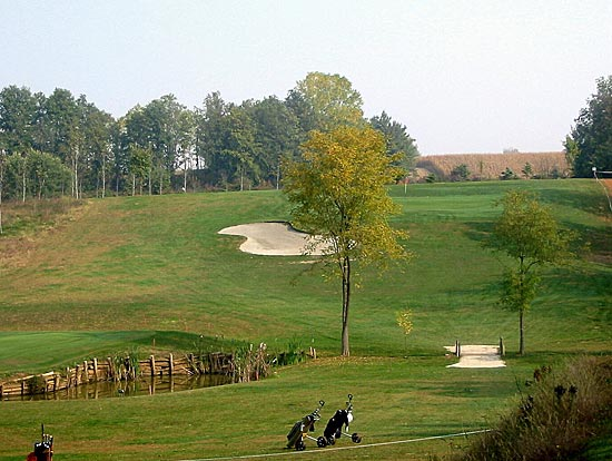 golfplusonline italien piemont das land am fu der berge. Black Bedroom Furniture Sets. Home Design Ideas